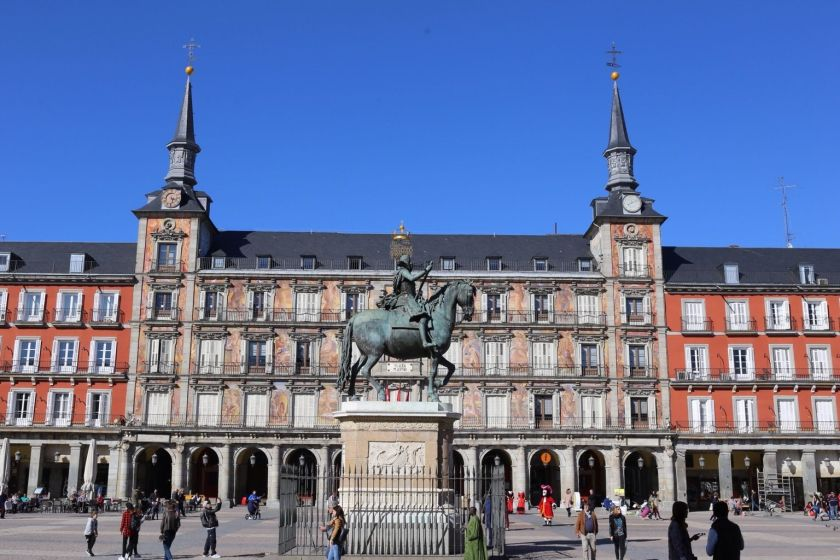 at-plaza-mayor-2